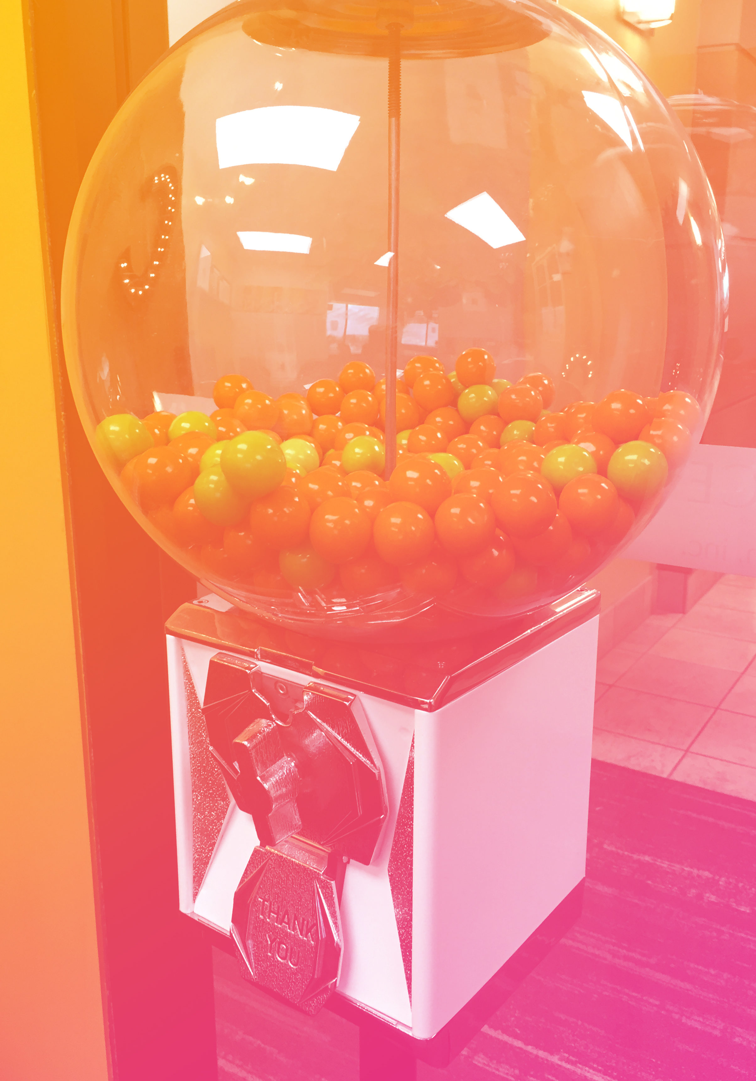 Coalesce gum ball machine